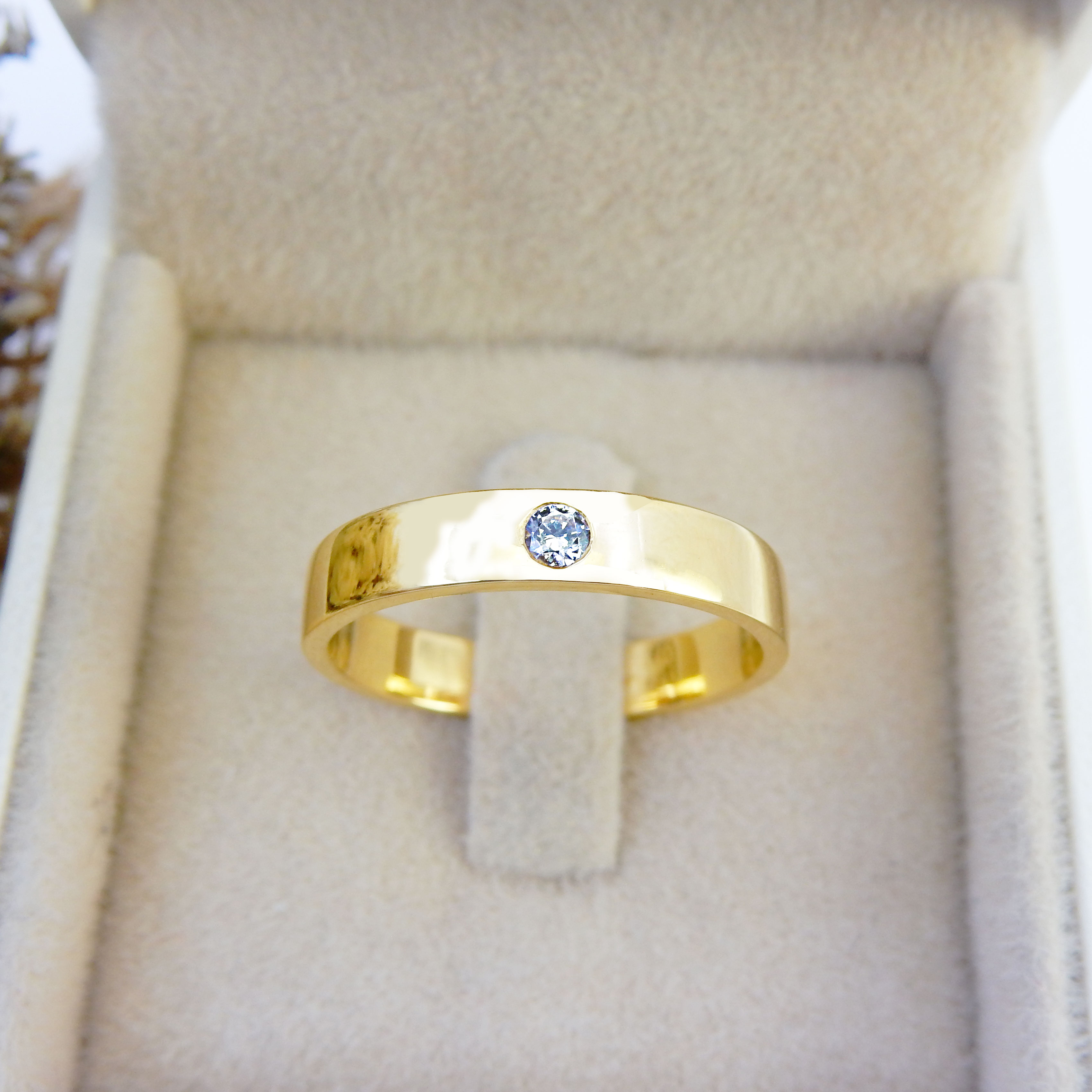 แหวนผู้ชาย (คาเทียร์)