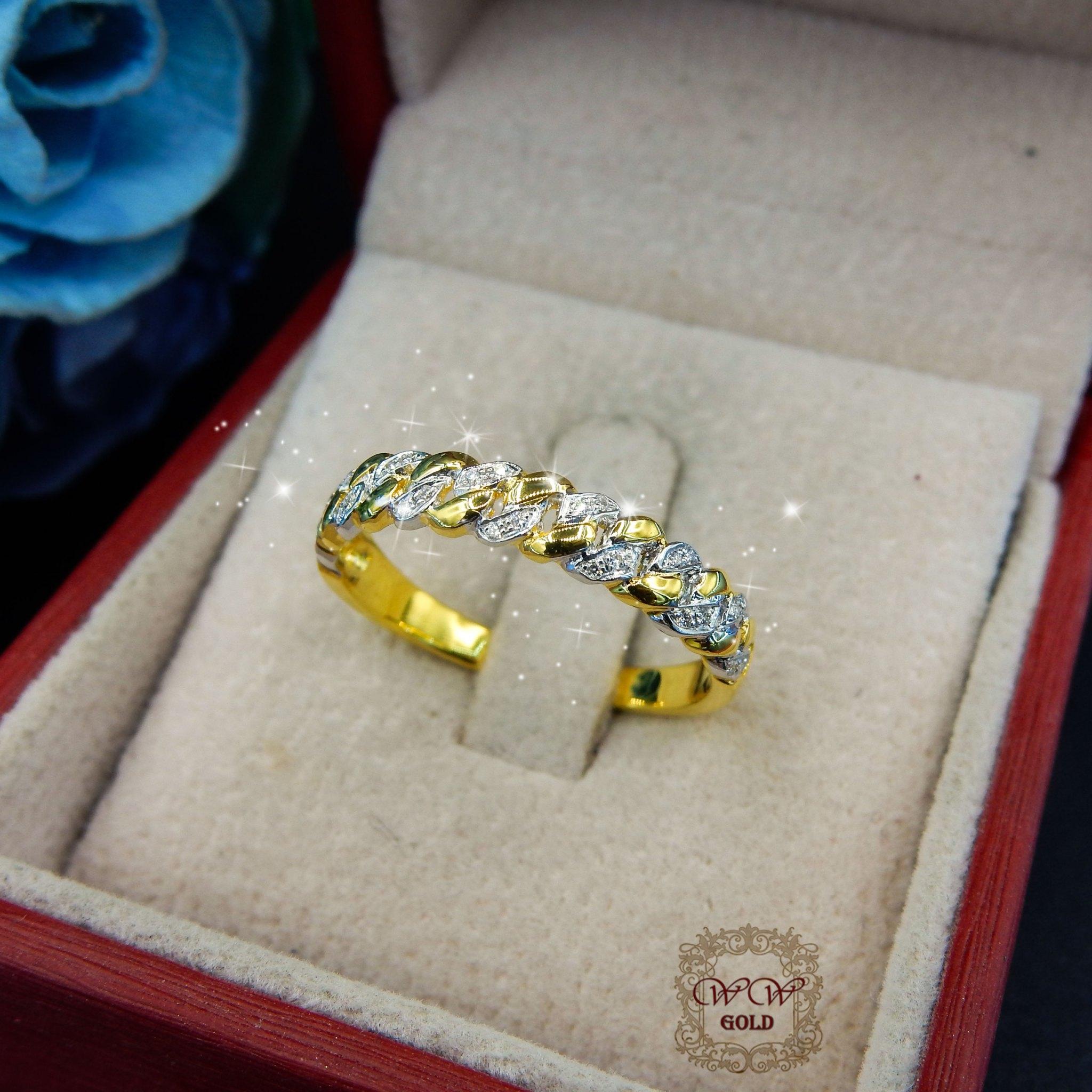 แหวนเพชรเรียงแถวไขว้สลับทอง