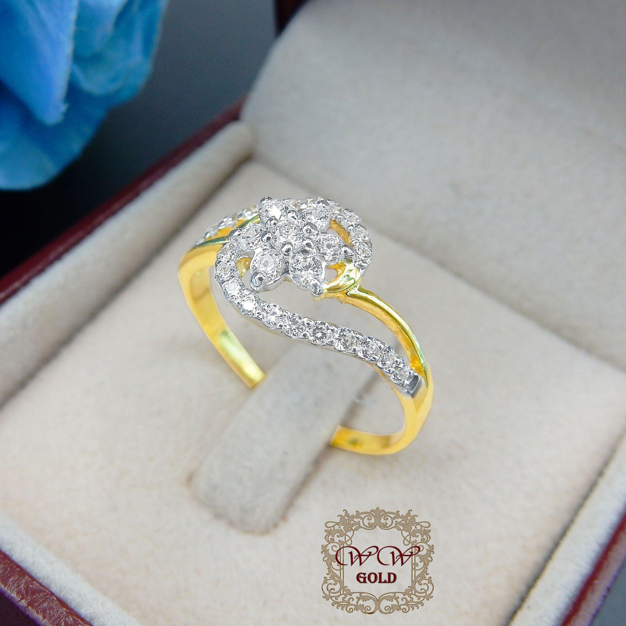 แหวนเพชรดีไซน์ดอกไม้