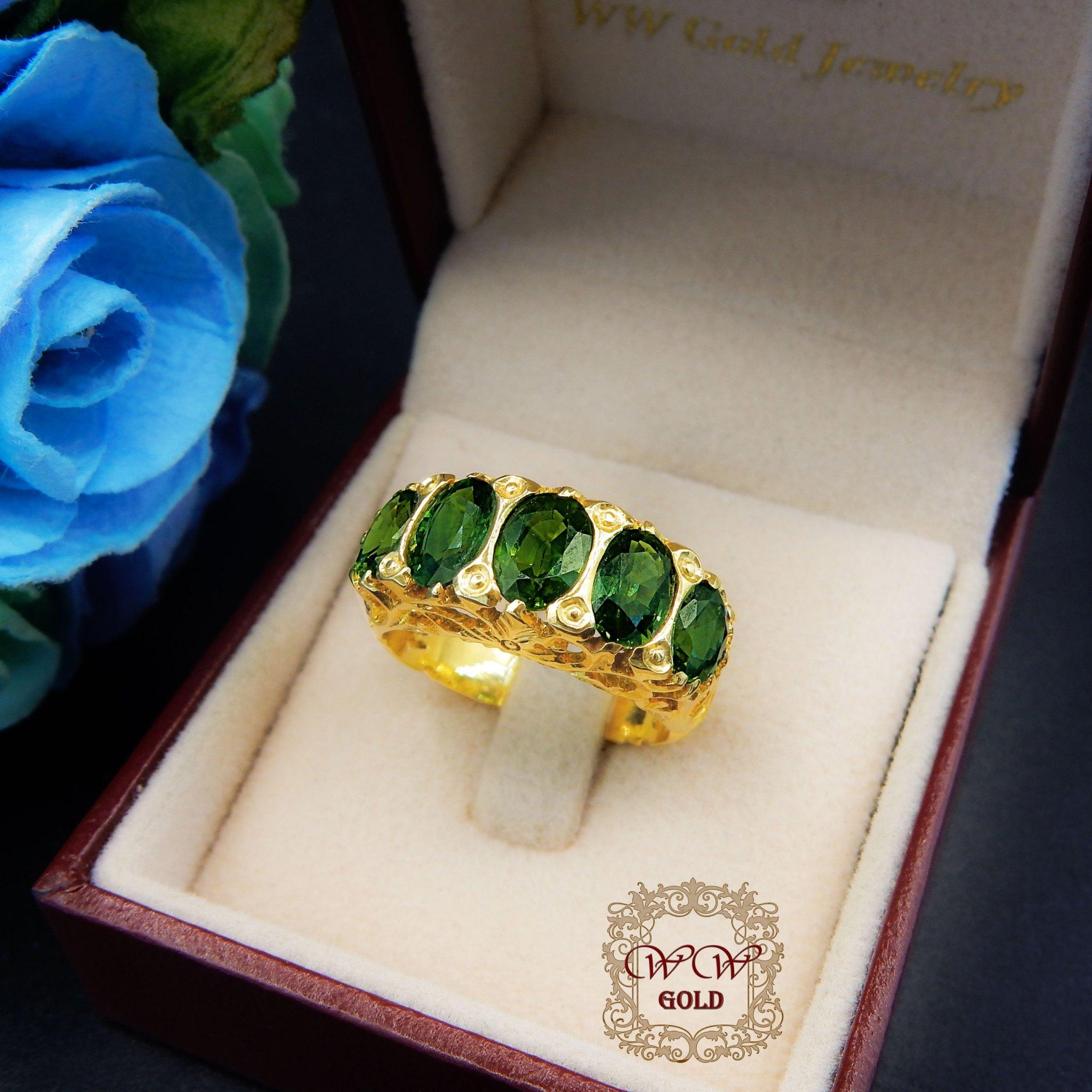 แหวนพลอยสีเขียว
