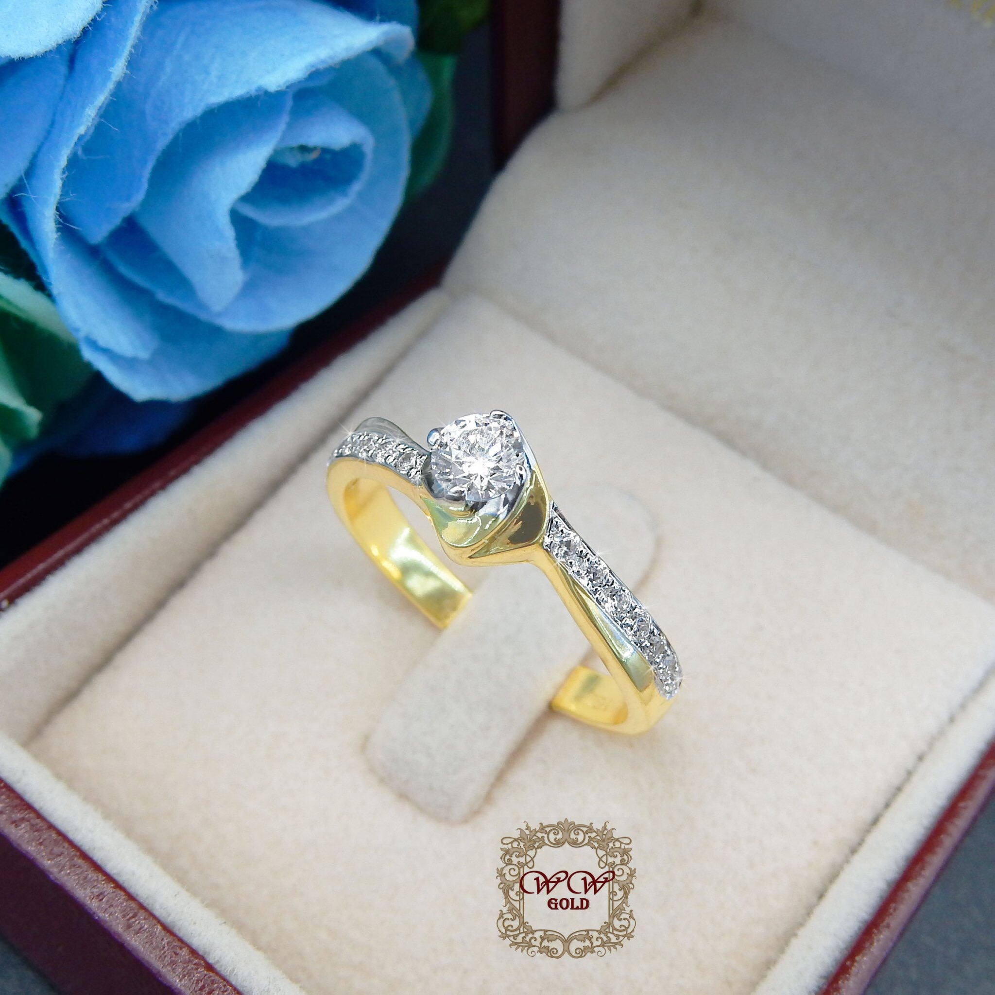 แหวนเพชรดีไซน์หัวชู สไตล์คลาสสิค (กุหลาบ)