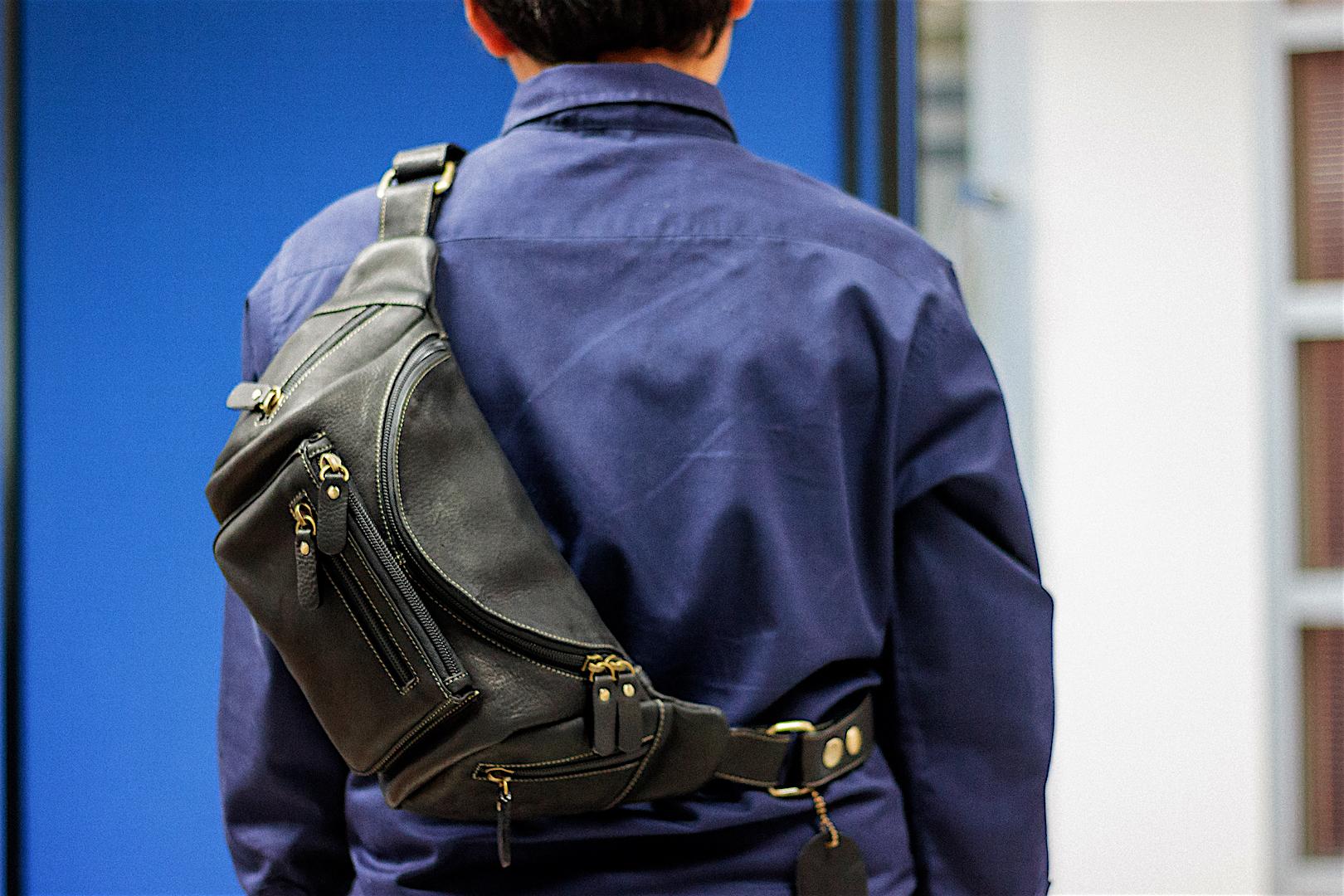 กระเป๋าคาดเอว กระเป๋าคาดอก กระเป๋าหนังแท้สำหรับผู้ชาย สามารถใส่ไอแพท ใส่ปืนและอุปกรณ์ต่างๆได้