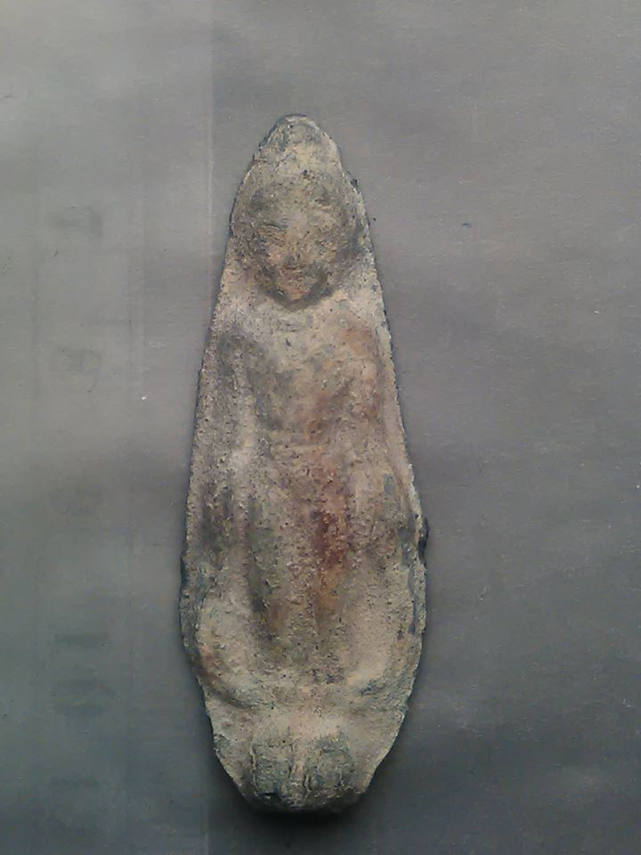 พระกรุ ปางเปิดโลก เนื้อชิน เก่ามากๆ 1500.-