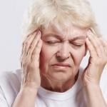 โอ๊ย! ผู้สูงวัยหน้ามืด จะเป็นลม แก้วิงเวียนหน้ามืด อ่อนเพลียง่ายในผู้สูงอายุ อย่างไรดี?